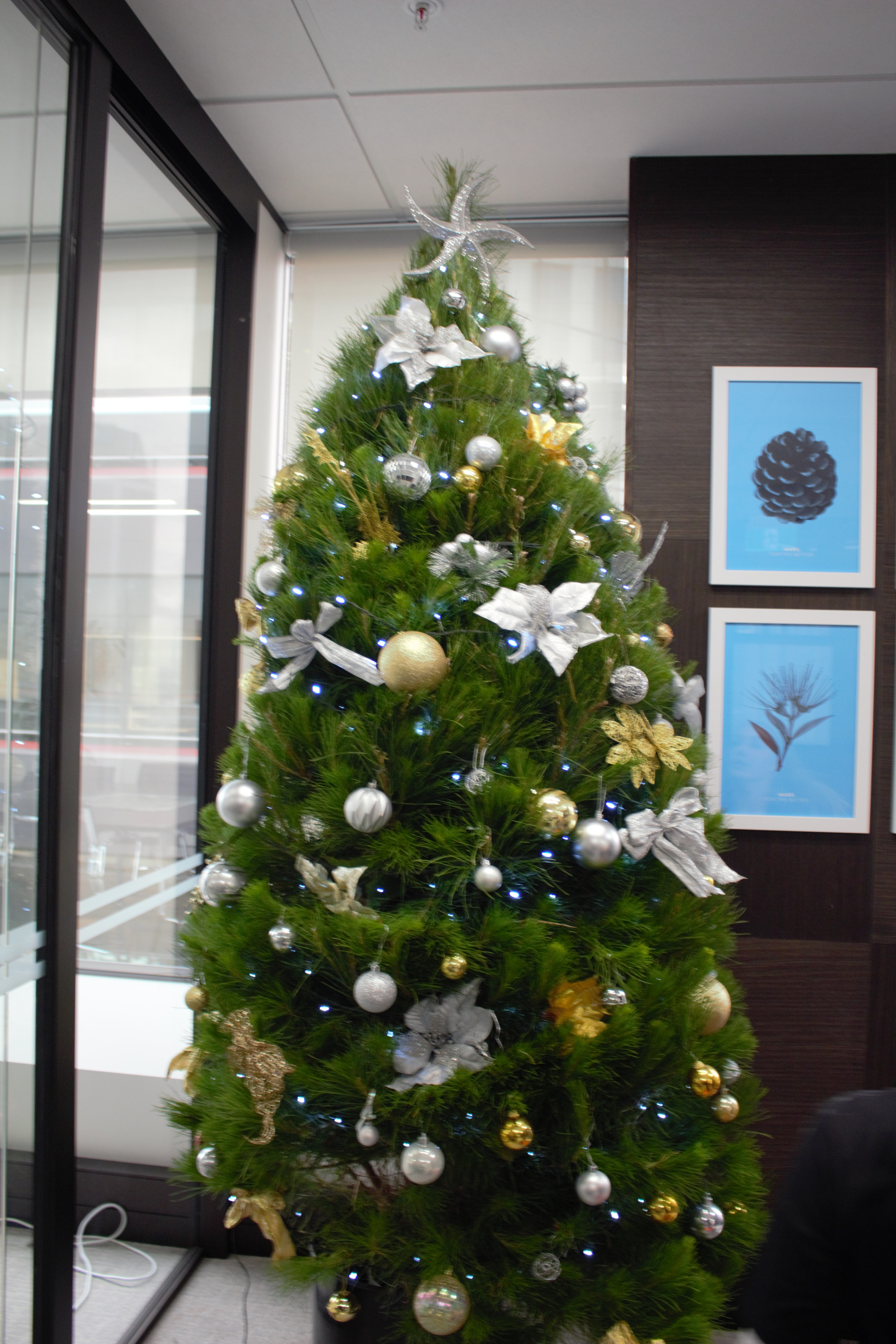 XMas_Tree_2018___Gold_and_Silver___Made_Group_Ltd